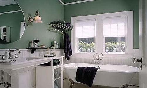 Old fashioned bathtub in a new home construction
