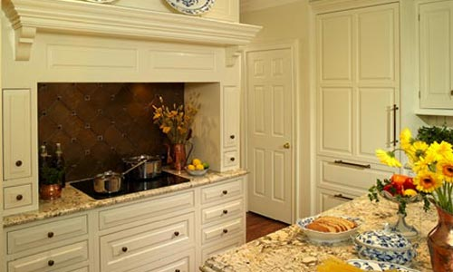 Colonial style kitchen and remodeling