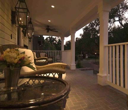 Balmy southern evenings can be enjoyed on the front porch, where neighbors can be greeted, and the unique Lake Eola Historic District charm can be appreciated.